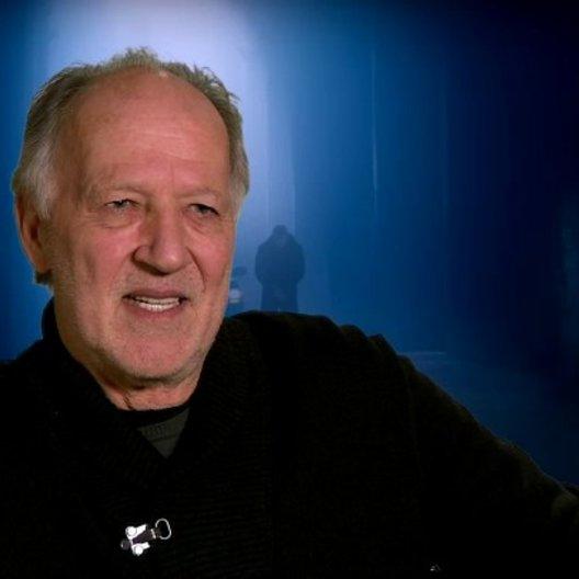Werner Herzog - The Zec über die Verfolgungsjagden und die Stunts - OV-Interview Poster