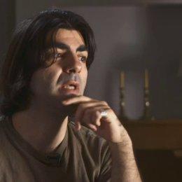 Fatih Akin erklärt, was ein Dokumentarfilm wie Müll im Garten Eden bewirken kann - Interview Poster