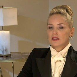 Sharon Stone - Dr Parker - über ihre Filmfigur - OV-Interview Poster