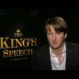 Tom Hooper (Regisseur) über die Zusammenarbeit mit den Darstellern - OV-Interview Poster