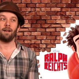 Christian Ulmen - Randale Ralph - über Ralphs erste Begegnung mit Vanellope - Interview Poster