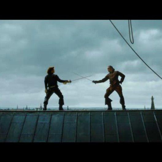 D'Artagnan und Rochefort kämpfen auf Notre Dame - Szene Poster