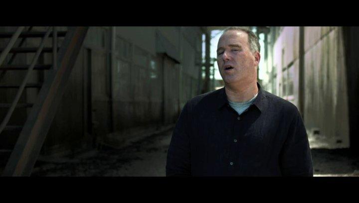 Matthew Bär über die Fraün hinter dem Film - OV-Interview Poster