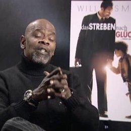 Chris Gardner über sein Leben heute, seinen Auftritt im Film, Wills Oscar-Chancen, den Erfolg seiner Geschichte und seinen Sohn - OV-Interview Poster