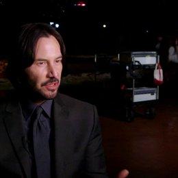 Keanu Reeves - John Wick - über Waffen Kämpfe und sein Auto - OV-Interview Poster