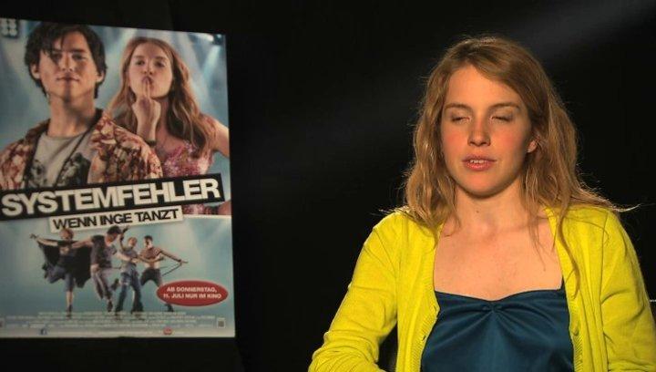 Paula Kalenberg über die Musik im Film - Interview Poster