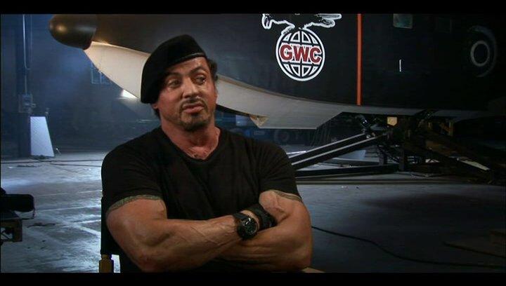 Sylvester Stallone über Mickey Rourke - OV-Interview Poster
