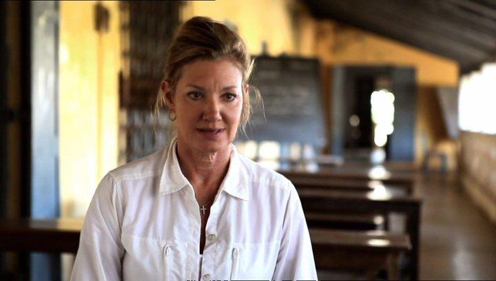 Elizabeth Gabler - Präsident von Fox 2000 Pictures über den Dreh in 3D - OV-Interview Poster