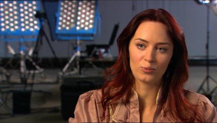 Emily Blunt über Gullivers Effekt auf die Liliputaner - OV-Interview Poster
