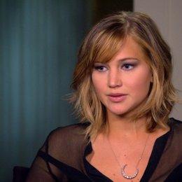 Jennifer Lawrence - Katniss Everdeen - über die Geschichte - OV-Interview Poster