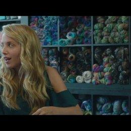 Chantry spricht mit ihren Freundinnen über Wallace - Szene Poster