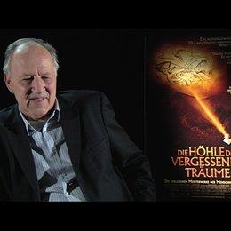 Werner Herzog über seine Gefühle beim ersten Höhlenbesuch - Interview Poster
