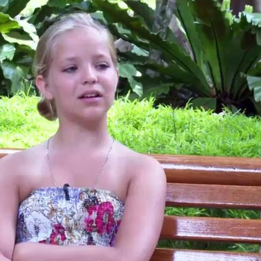 Neele Marie Nickel - Anne - inwiefern der Dreh in Thailand anders ist - Interview Poster