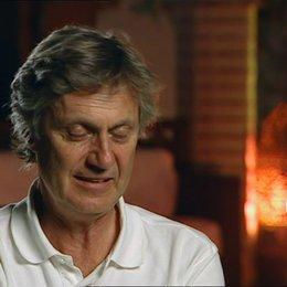 Lasse Hallström - Regisseur über die Arbeit an dem Film - OV-Interview Poster