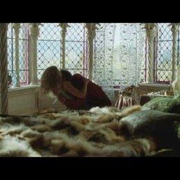 Der Prinz und die Prinzessin in ihrem Zimmer - Szene Poster