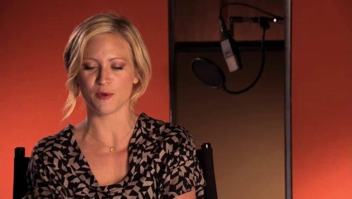 Brittany Snow über die Treblemakers - OV-Interview Poster
