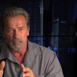 Arnold Schwarzenegger den Look des Gefängnisses - OV-Interview Poster