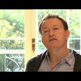Simon Beaufoy über was ihn am Stoff interessiert hat - OV-Interview Poster