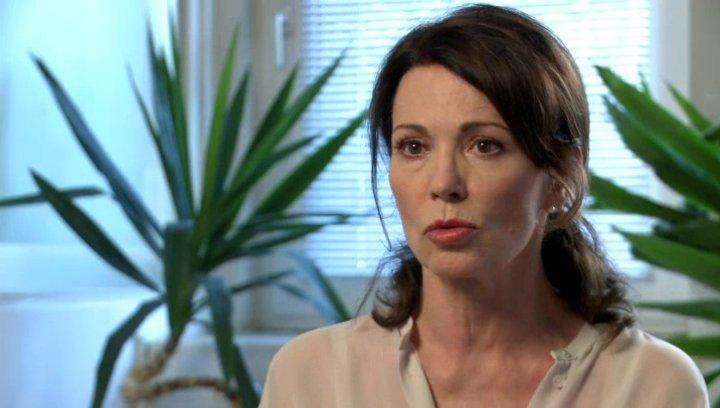 Iris Berben - Luise Jansen - über die Rolle Luise Jansen - Interview Poster