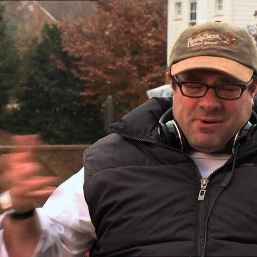 Andy Fickman (Regisseur) über darüber um was es in dem Film geht - OV-Interview Poster