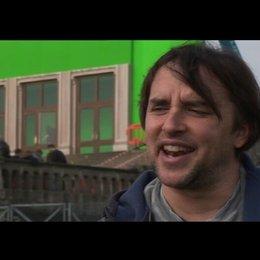 Richard Linklater (Regie) über Zac Efron - OV-Interview Poster
