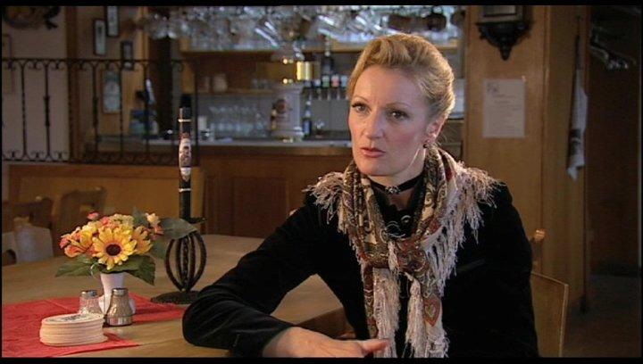 Monika Gruber über die böse Gerti - Interview Poster