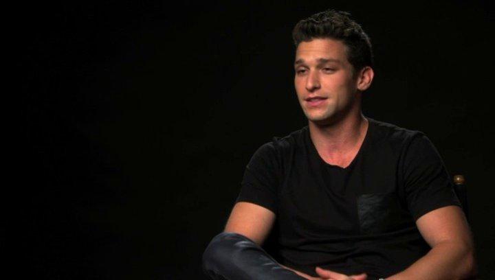 Daren Kagasoff über Regisseur Stiles White - OV-Interview Poster