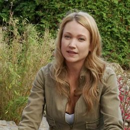 Lisa Maria Potthoff - Evi über ihre Rolle - Interview Poster