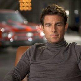 Tom Cruise - Jack Reacher über die Arbeit mit Rosamund Pike - OV-Interview Poster