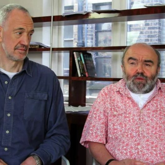 Guy Jenklin und Andy Hamilton über das Thema des Films - OV-Interview Poster