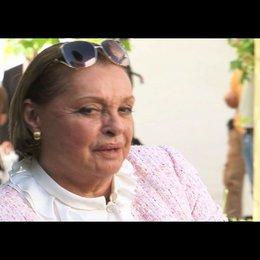N. Tiller über ihre Arbeit mit Leander Haussmann - Interview Poster