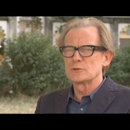 Bill Nighy - Douglas - über das Hotel - OV-Interview Poster