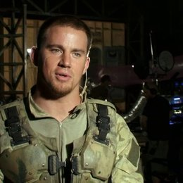 Channing Tatum (Duke) über Ex-Navy Seal Harry Humphries - OV-Interview Poster