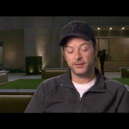 Matthew Vaughn - Regisseur - über seinen stilistischen Einfluss auf den Film - OV-Interview Poster