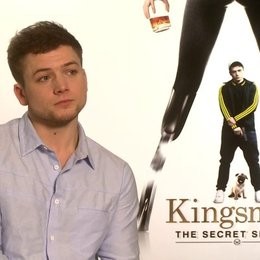 Taron Egerton über die Vorraussetzungen für den Film - OV-Interview Poster