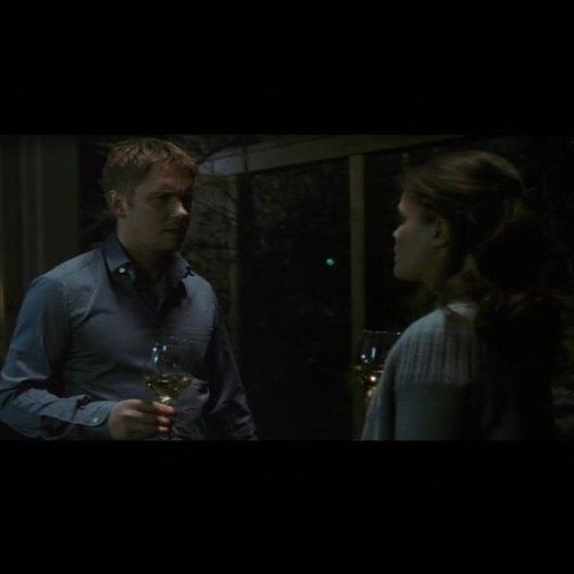Sara soll bei Fredrik einziehen - Szene Poster