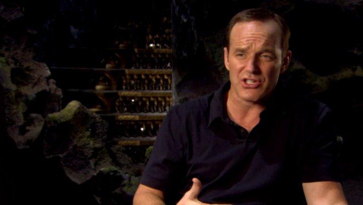 Clark Gregg - Agent Phil Coulson über die Dynamik zwischen den Avengers - OV-Interview Poster