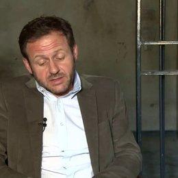 Samül Finzi - Bernhard - darüber dass Bernhard im Gefängnis sitzt - Interview Poster