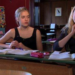 Jana Sophia Münster über Mademoiselle Bertouxs Haustier - Interview Poster