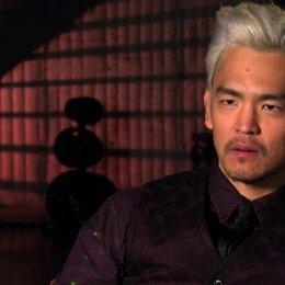 John Cho über die Dienste die Rekall anbietet - OV-Interview Poster