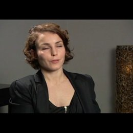 Noomi Rapace über die Lisbeth, die sie in sich selbst trägt - OV-Interview Poster