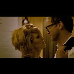 Kuss auf der Türschwelle / Colin Firth & Julianne Moore - Szene Poster