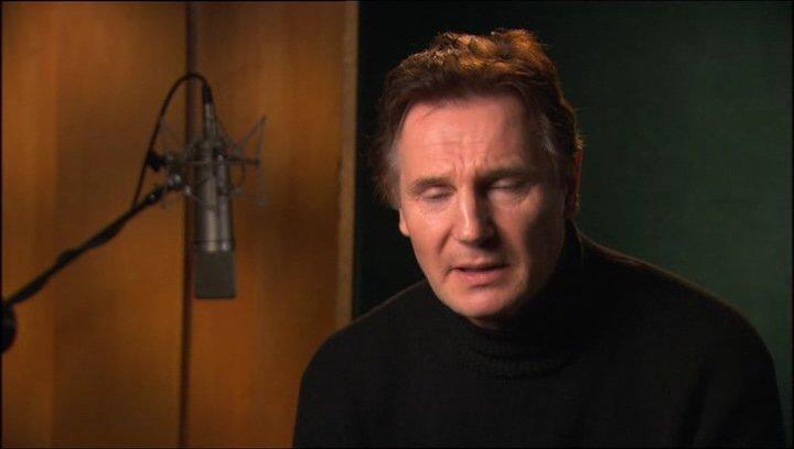 Liam Neeson über die Entdeckung der Bücher - OV-Interview Poster