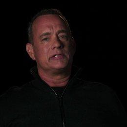 Tom Hanks - Captain Phillips - über Dreharbeiten auf dem offenen Meer - OV-Interview Poster
