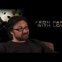 Pierre Morel (Regie) über die Besetzung von John Travolta und Jonathan Rhys-Meyers - OV-Interview Poster