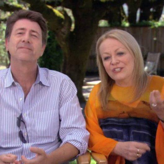 Jackie Weaver und Jim Piddock über Sylvias Hochzeitstoast - OV-Interview Poster