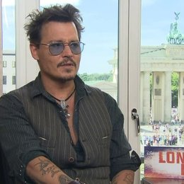 Johnny Depp - Tonto - über seine Ansicht über Deutschland und Berlin - OV-Interview Poster