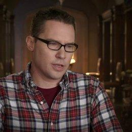Bryan Singer - Regisseur - über die Entscheidung die alte und die junge Besetzung zu kombinieren - OV-Interview Poster