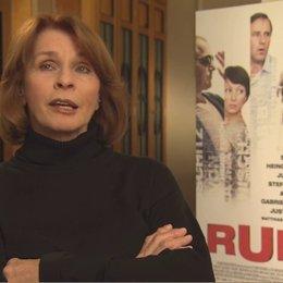 Senta Berger über die verschiedenen Bedeutungen von Ruhm im Film - Interview Poster