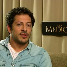 Fahri Yardim über seine Rolle - Interview Poster